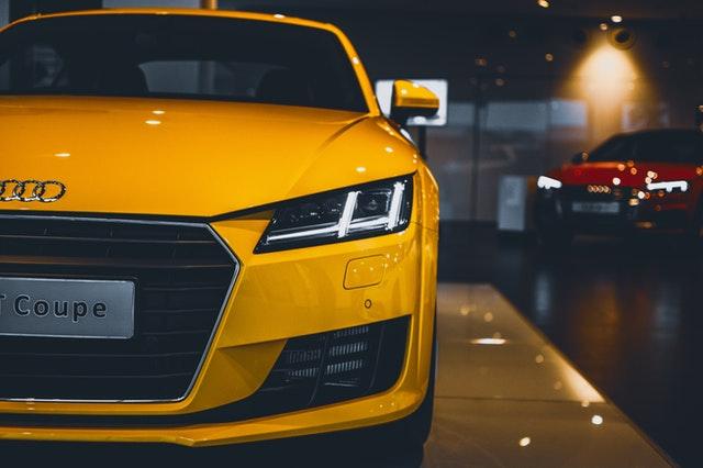 žlté auto.jpg