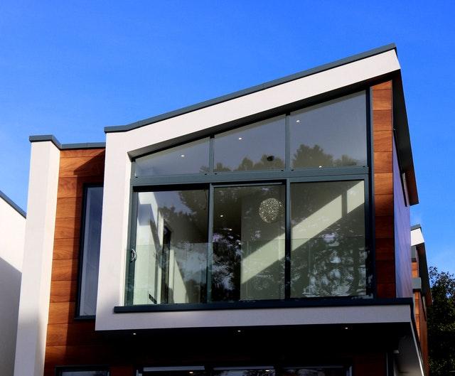 modern-building-against-blue-sky-323776